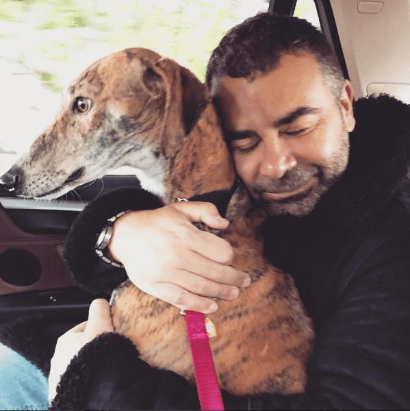Jorge Javier Vázquez Presenta a su Nuevo Perro