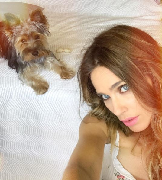 Vanesa Romero Explica Cómo Educa a su Perra